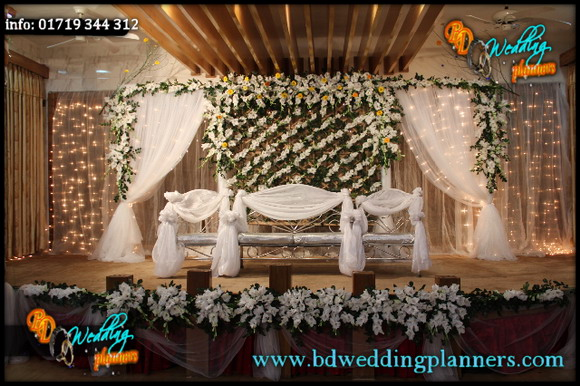 Bangladeshi wedding stage flower decoration for American wedding stage decoration